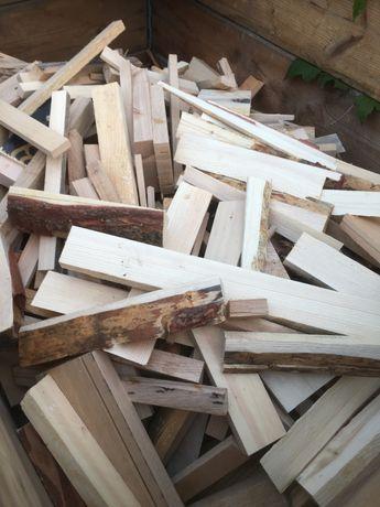 Drewno opałowe rozpałka . Do pieca.