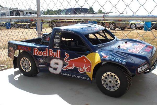 Team Associated SC8 Red Bull Short Course modelismo gasolina novo 700e