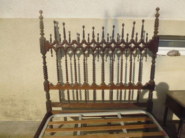 Mobilia de Quarto madeira maciça antiga