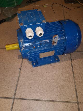 Silnik elektryczny 710obr.