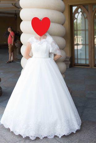 Весільна сукня не вінчана