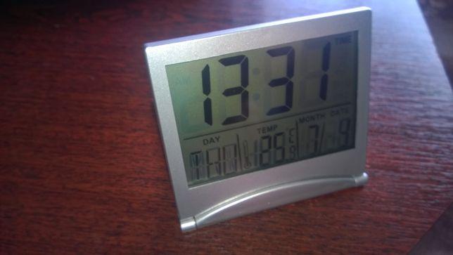 Настольные часы с термометром