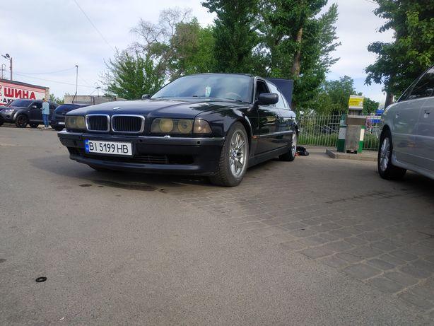 Продам BMW 750il