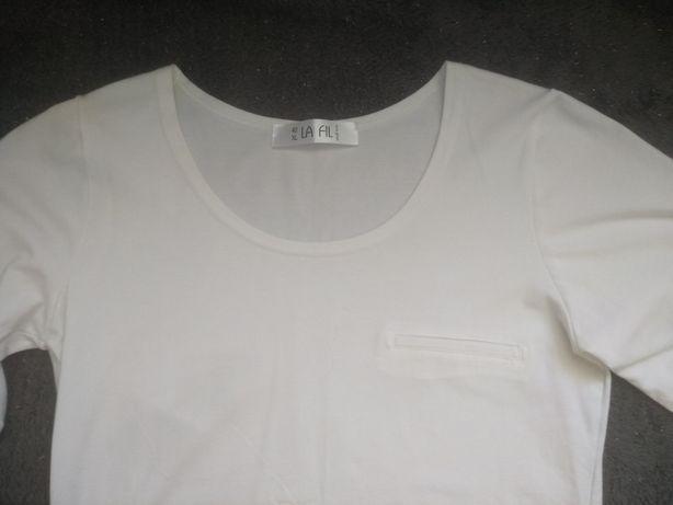Biała klasyczna elegancka bluzka