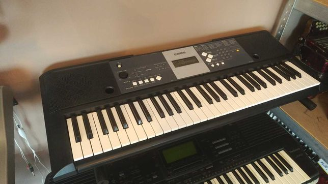 Keyboard Yamaha YPT-230 idealny do nauki