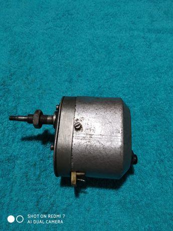 Ursus C328 C 330 C 360 silniczek wycieraczki mechanizm wycieraczki