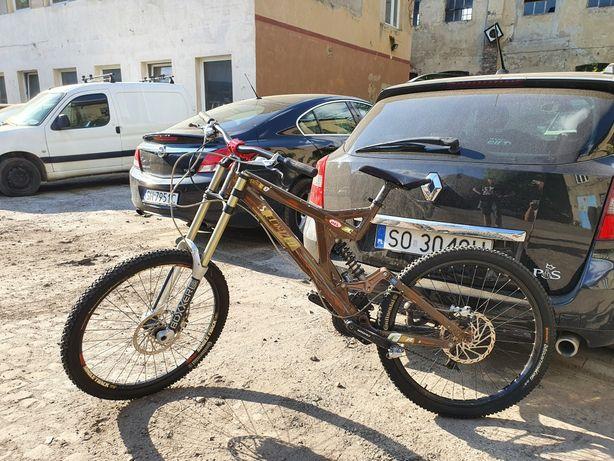 Rower zjazdowy DH FR specialized bighit 2007r boxxer, Fox,  juicy5,