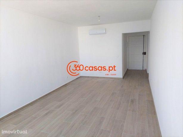 Apartamento T2 totalmente renovado com elevador em Faro