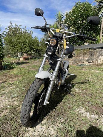 Shachs bikes MadAss 125cc 7000kms 1.500€ (negoçiaveis)