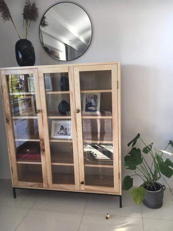Piękna witryna biblioteczka komoda na zastawę czy książki