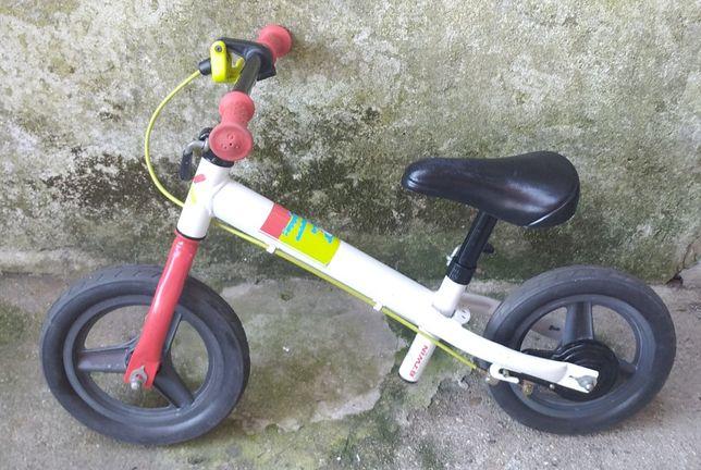 Bicicleta sem pedais B twin