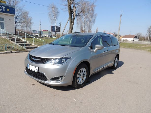 Продам Crusler Pacifica Touring L 2018