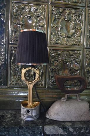 Lampa z tłoka, metaloplastyka, rękodzieło