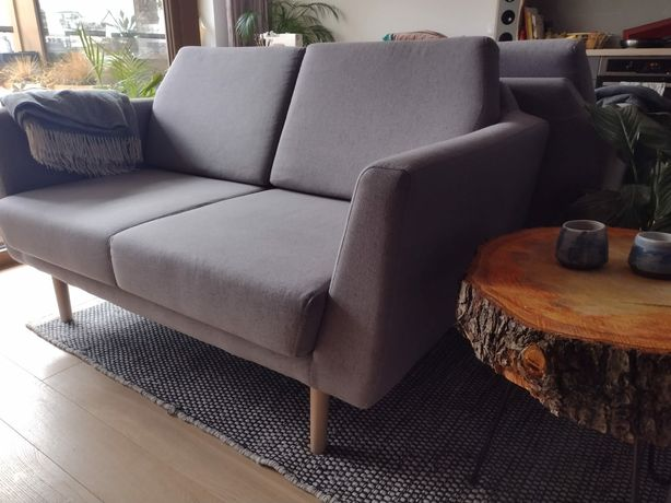 Dwuosobowa sofa w stylu skandynawskim jak Rucola Sits