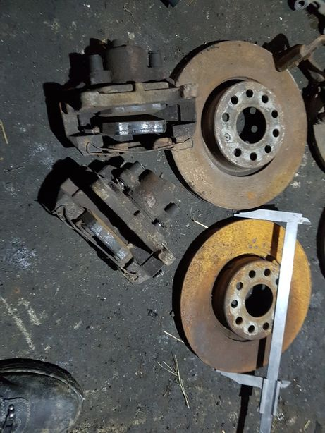 Volkswagen passat b6 tarcze przód z zaciskania 312mm
