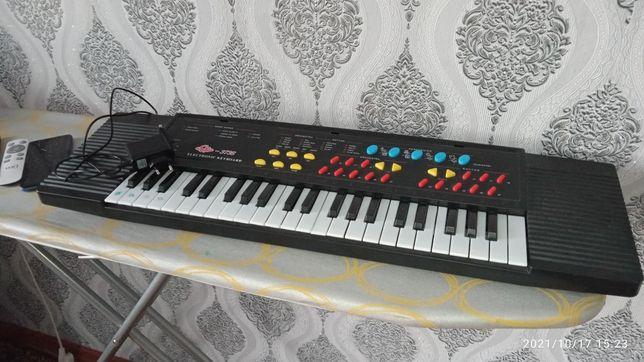 Продам пианино, состояние нового