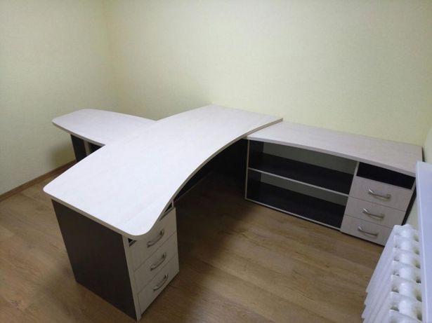 Стол руководителя, офисный стол