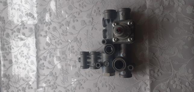 Пневматичний клапан WABKO 4615130000