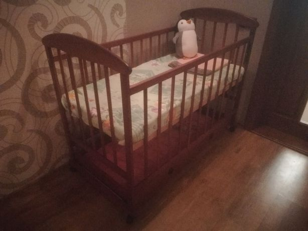 Детская кроватка + матрас