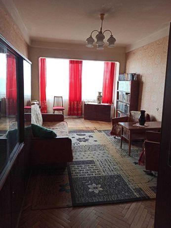 2 ком. квартира на Волго-Донском пер. возле парка.