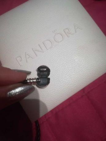Pandora skórzana