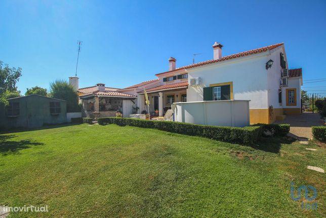 Moradia - 275 m² - T4