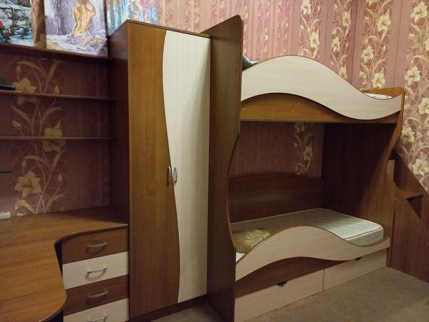 Меблі для дитячої кімнати, двоповерхове ліжко