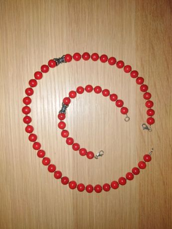 Naszyjnik, bransoletka i kolczyki z koralu z elementami stebra YES