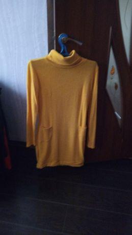 Платье тёплое жёлтое