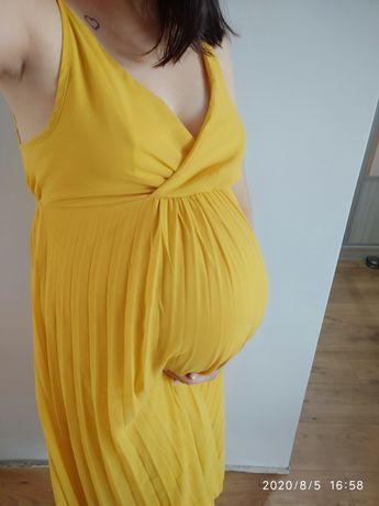 Sukienka ciążowa sesja plisy odkryte plecy