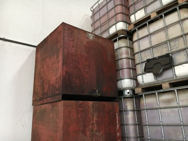 Depósitos para combustivel 1000 L em ferro