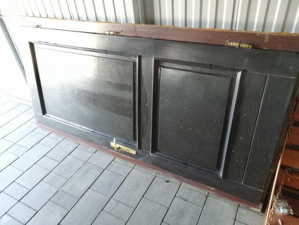 Drzwi do sprzedania z futrynami