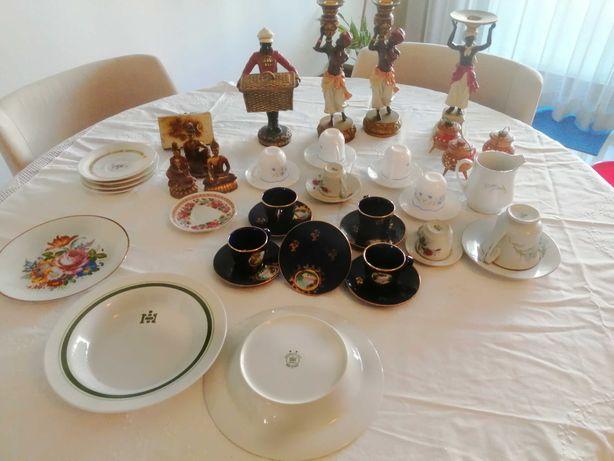 Peças de Decorativas /chávenas e Pires /pratos