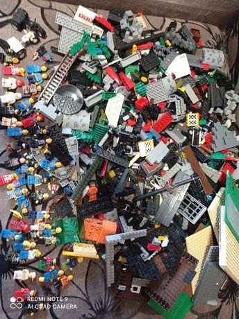 Продам конструктор Лего на разбор
