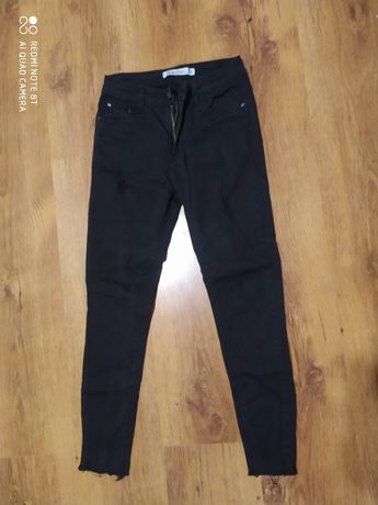 Spodnie czarne male M