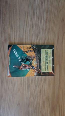 """Livro """"Pedagogia do Treino - A Formação em jogos desportivos colectivo"""