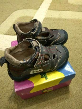 Туфли для мальчика little deer 21 и 23 размер