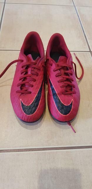 Nike Hypervenom rozmiar 38 korki lane