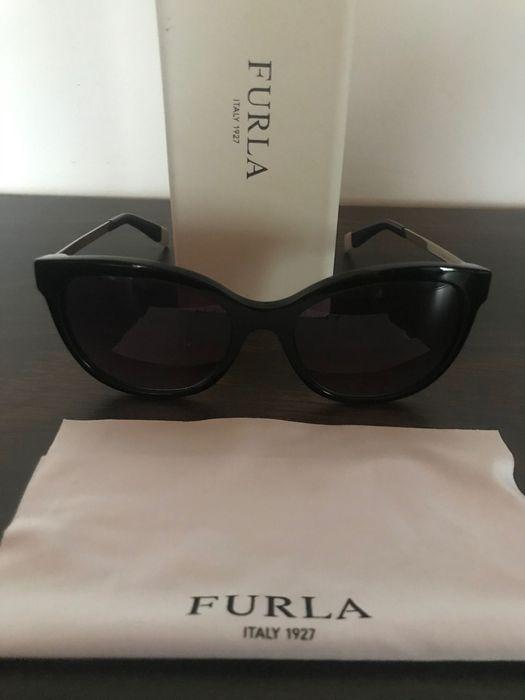 Okulary przeciwsłoneczne FURLA czarne Płoty - image 1