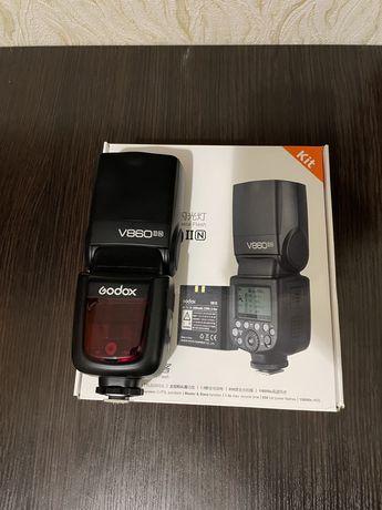 Вспышка Godox V860II для Nikon