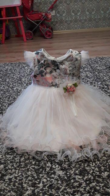 шикарное праздничное платье 2 года
