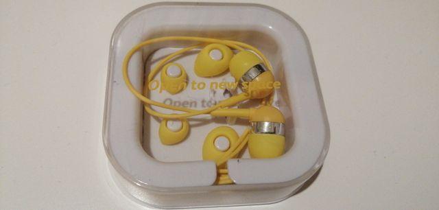 Żółte słuchawki nowe
