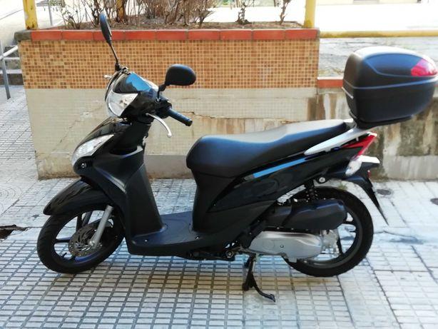 Scooter Honda Vision 110