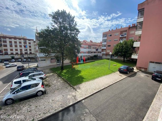 Apartamento T2 Rio Mouro / Serra Minas