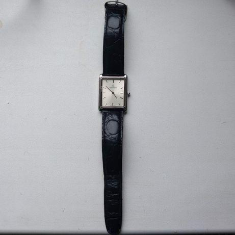 Продам часы GROVANA
