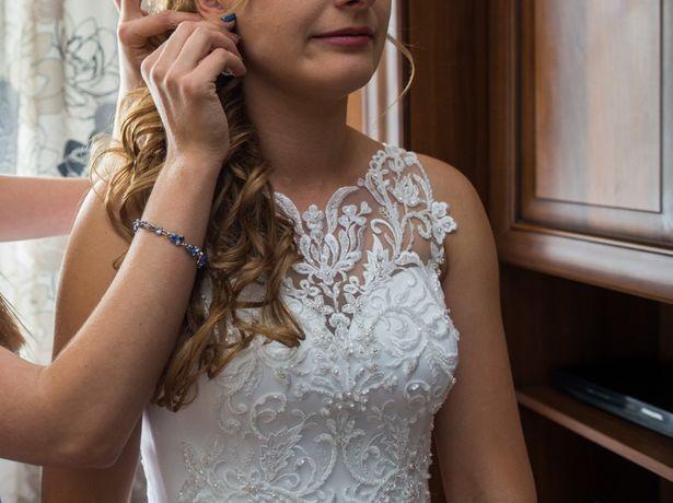 suknia ślubna koronki welon piękna księżniczka Princessa