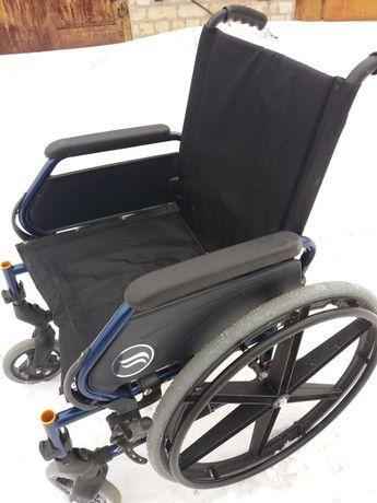 Универсальная инвалидная коляска