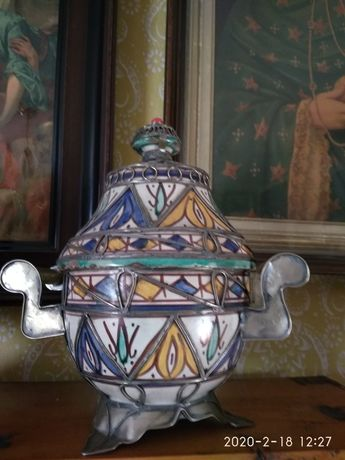 Majolika, filigran urna, zabytkowe naczynie ANTYK