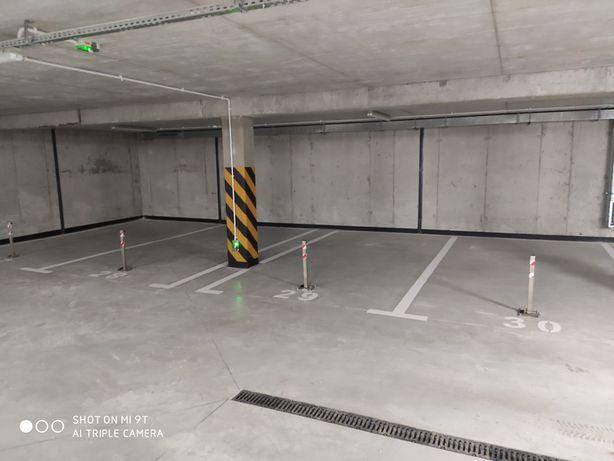 Miejsce parkingowe w garażu podziemnym  na Plażowej 9
