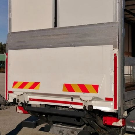 Plataforma elevatória B'A'R Cargolift